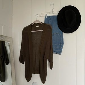 Knitted Sweater Olive Green 3/4 sleeve relaxed fit